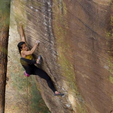 R14 - NINA_Roy NM high foot (COLORED)(c)BrettLowell